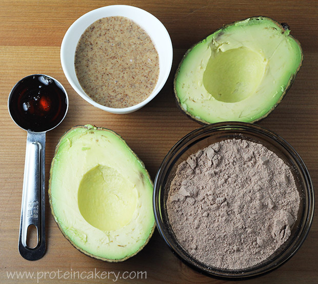 chocolate-protein-mousse-avocado