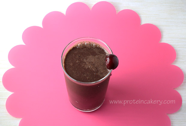 cherry-chocolate-hemp-shake-raw-vegan