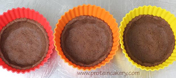 chocolate-hazelnut-protein-tartlets-silicone-cups
