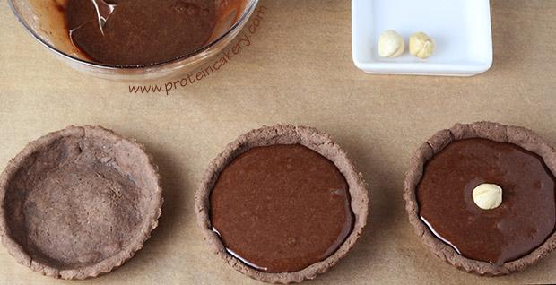 chocolate-hazelnut-protein-tartlets-whey