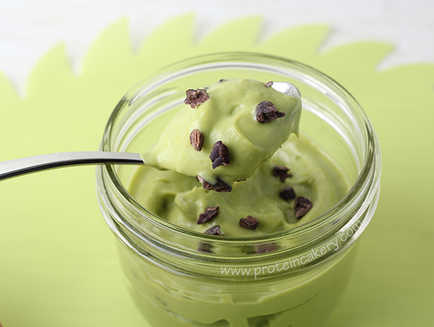 mint-chip-protein-mousse-cacao-nibs