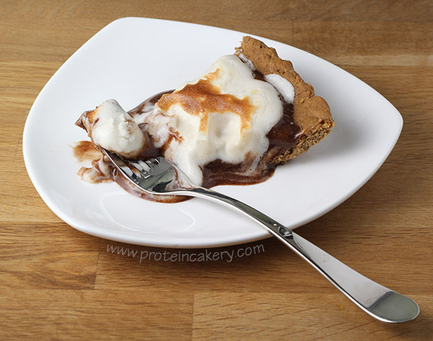 s'mores-protein-pie-protein-marshmallow-fluff