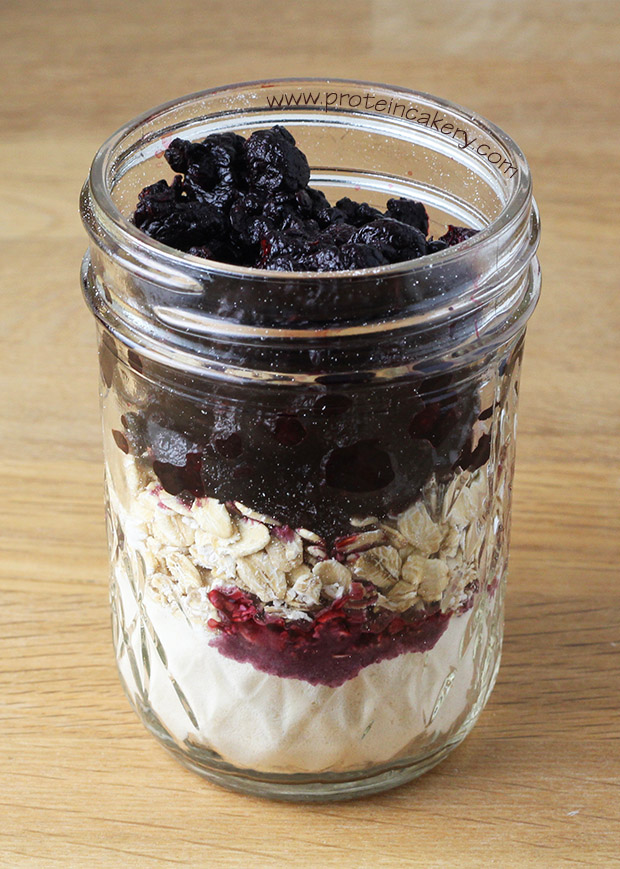 black-raspberry-overnight-protein-oats-whey