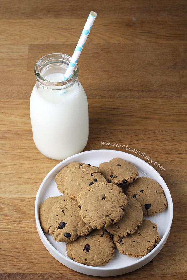 chocolate-chip-protein-cookies-gluten-free