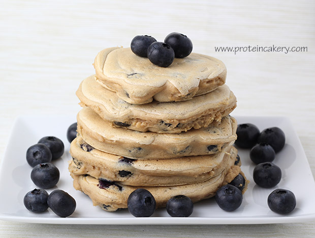 protein-cakery-blueberry-pancakes
