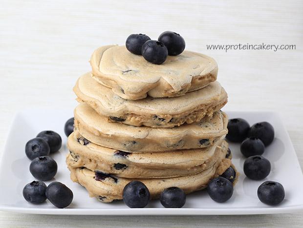 protein-cakery-blueberry-pancakes