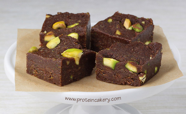 protein-cakery-chocolate-lime-pistachio-fudge
