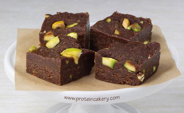 protein-cakery-chocolate-lime-pistachio-fudge