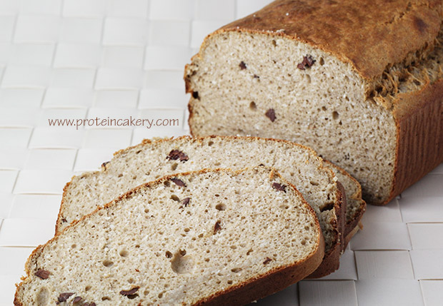protein-cakery-cinnamon-chip-oat-bread