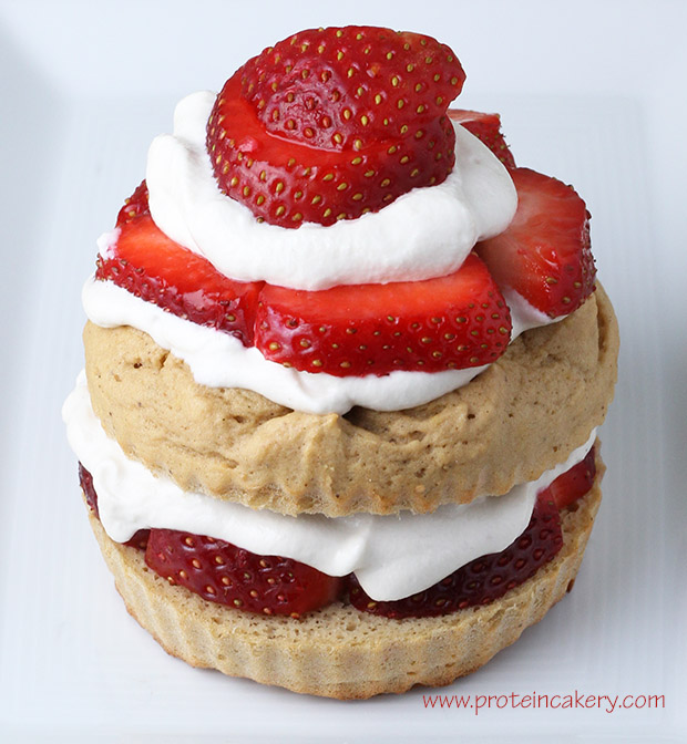 protein-cakery-strawberry-shortcake