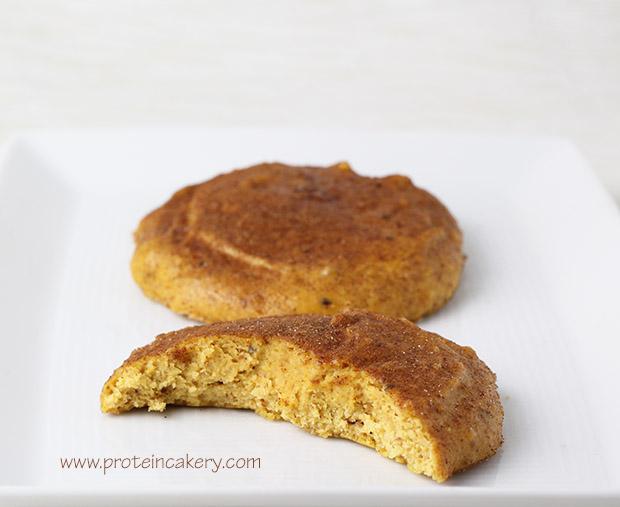 pumpkin-snickerdoodle-protein-cookies