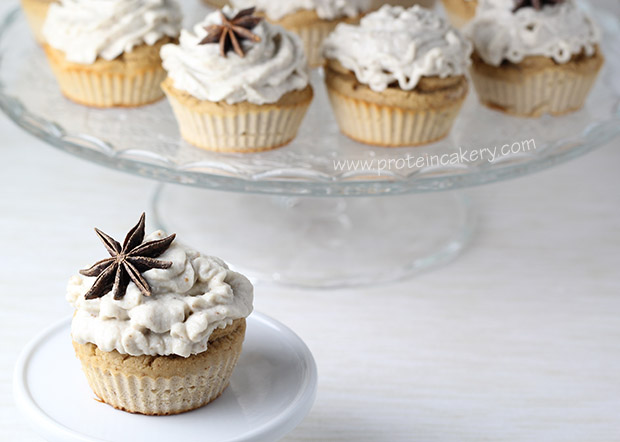 star-anise-pear-protein-cupcakes-cashew-cream
