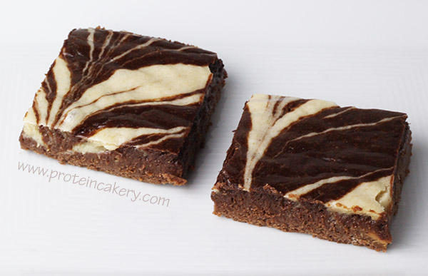 peppermint-swirl-protein-brownies