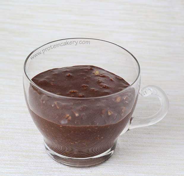 peppermint-hot-cocoa-overnight-protein-oats