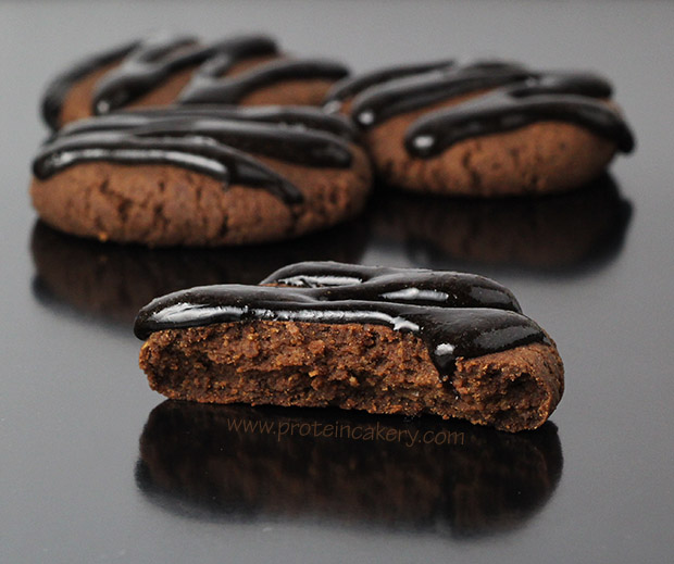 chocolate-hazelnut-protein-cookies-clutch