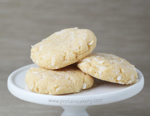 protein-cakery-coconut-cream-protein-cookies-whey