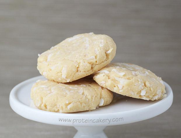 protein-cakery-coconut-cream-protein-cookies-whey