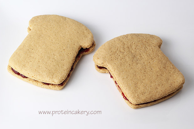 peanut-butter-jelly-protein-cookie-sandwiches-quest
