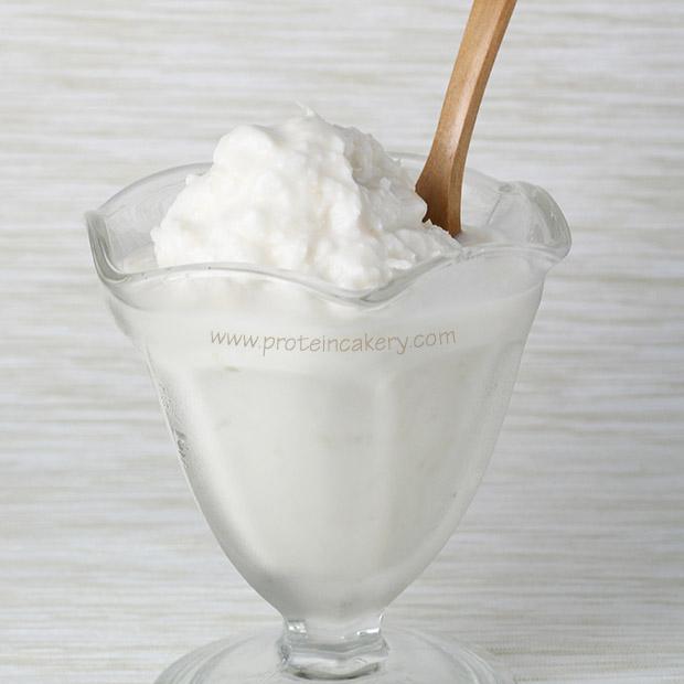 proteincakery-coyo-coconut-protein-yogurt