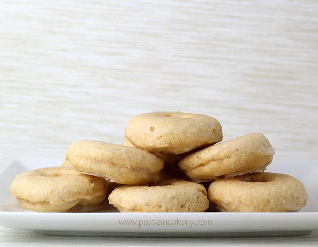 proteincakery-maple-glazed-vanilla-protein-donuts