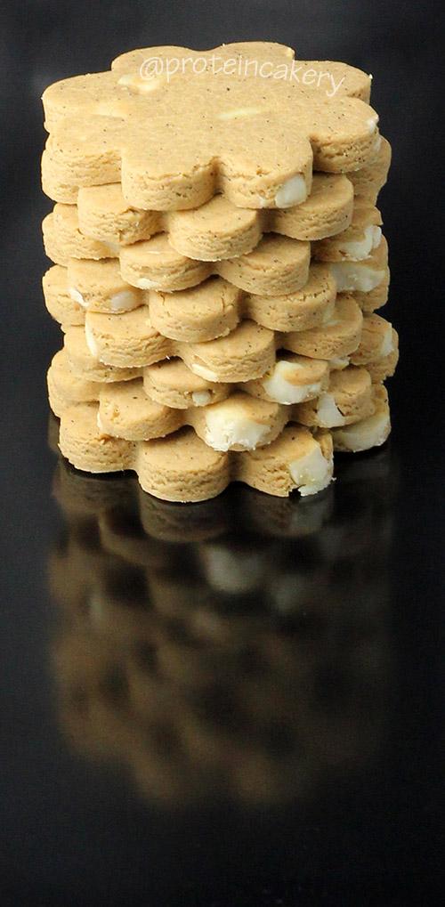 protein-cakery-vanilla-cashew-protein-cookies-vegan