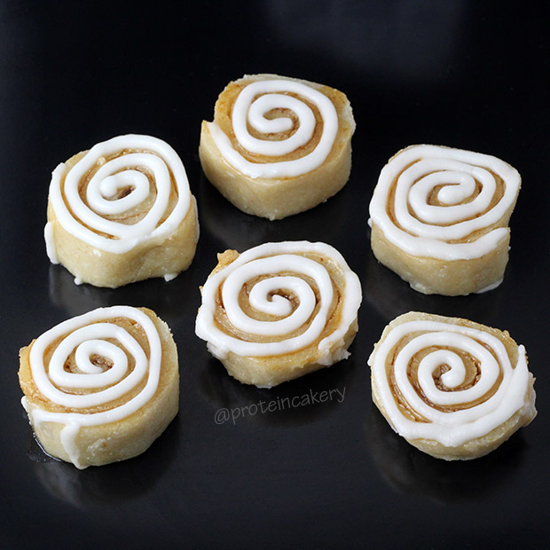 cinnamon-roll-protein-bites-glutenfree