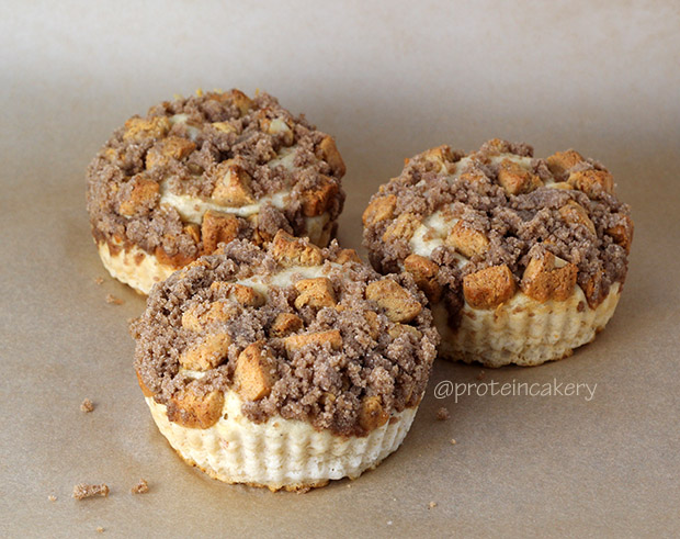protein-cakery-protein-coffee-cake-crumble-topping-gluten-free