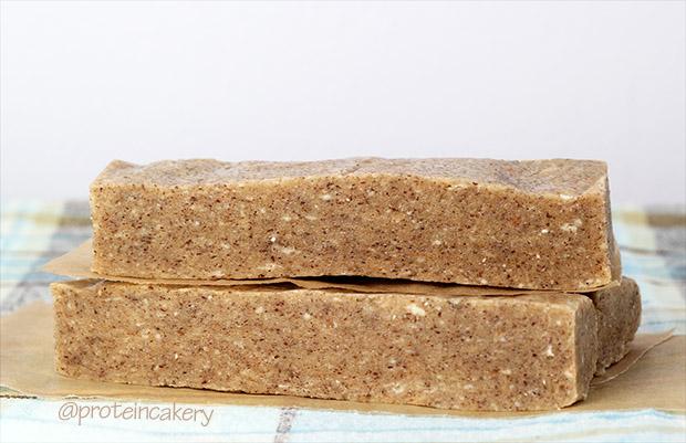 protein-cakery-vanilla-hazelnut-protein-bars-gluten-free