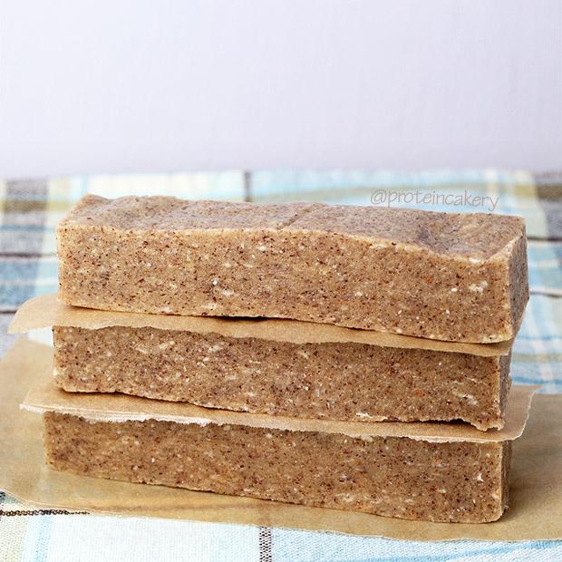 protein-cakery-vanilla-hazelnut-protein-bars-glutenfree