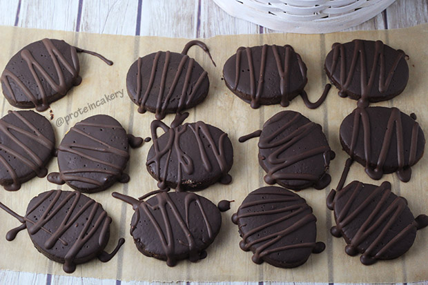 chocolate-covered-easter-egg-protein-cookies-protein-cakery