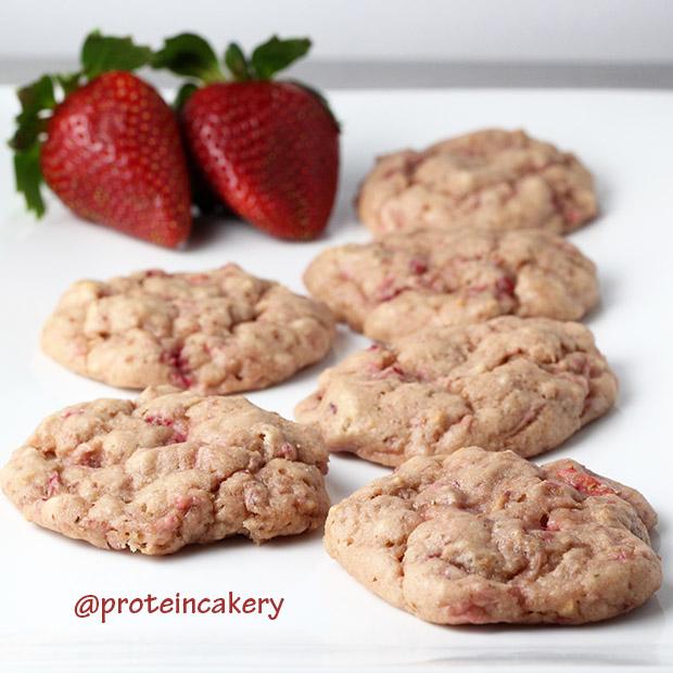 very-strawberry-protein-cookies-gluten-free