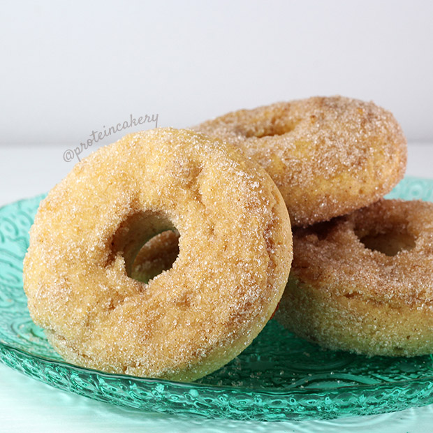 cinnamon-sugar-protein-donuts-erythritol-protein-cakery