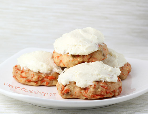 carrot-cake-protein-cookie-cream-cheese-protein-icing-glutenfree